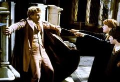 Гарри и Рон заставляют Локхарта пойти с ними в Тайную комнату