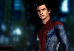 Питер Паркер в костюме Человека-паука