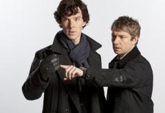 Шерлок и Джон на белом фоне