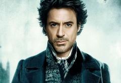 Шерлок Холмс на голубом фоне