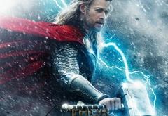 Крис Хемсворт на афише фильма Тор 2: Царство тьмы