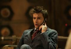 Десятый Доктор с телефоном